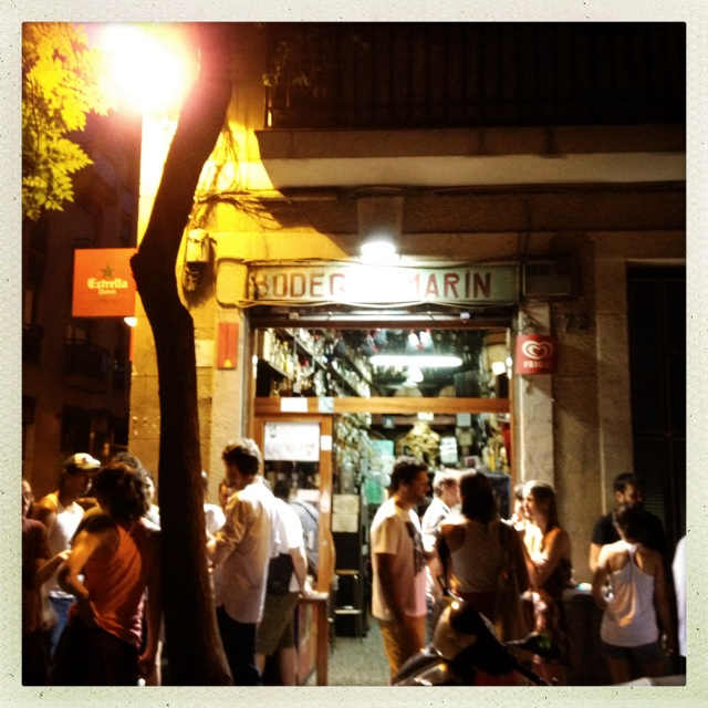 """Bodega E. Marín where """"La Mujer de la Bodega"""" welcomes her guests every evening. You can get 1,5 liter of regional wine for only €2."""