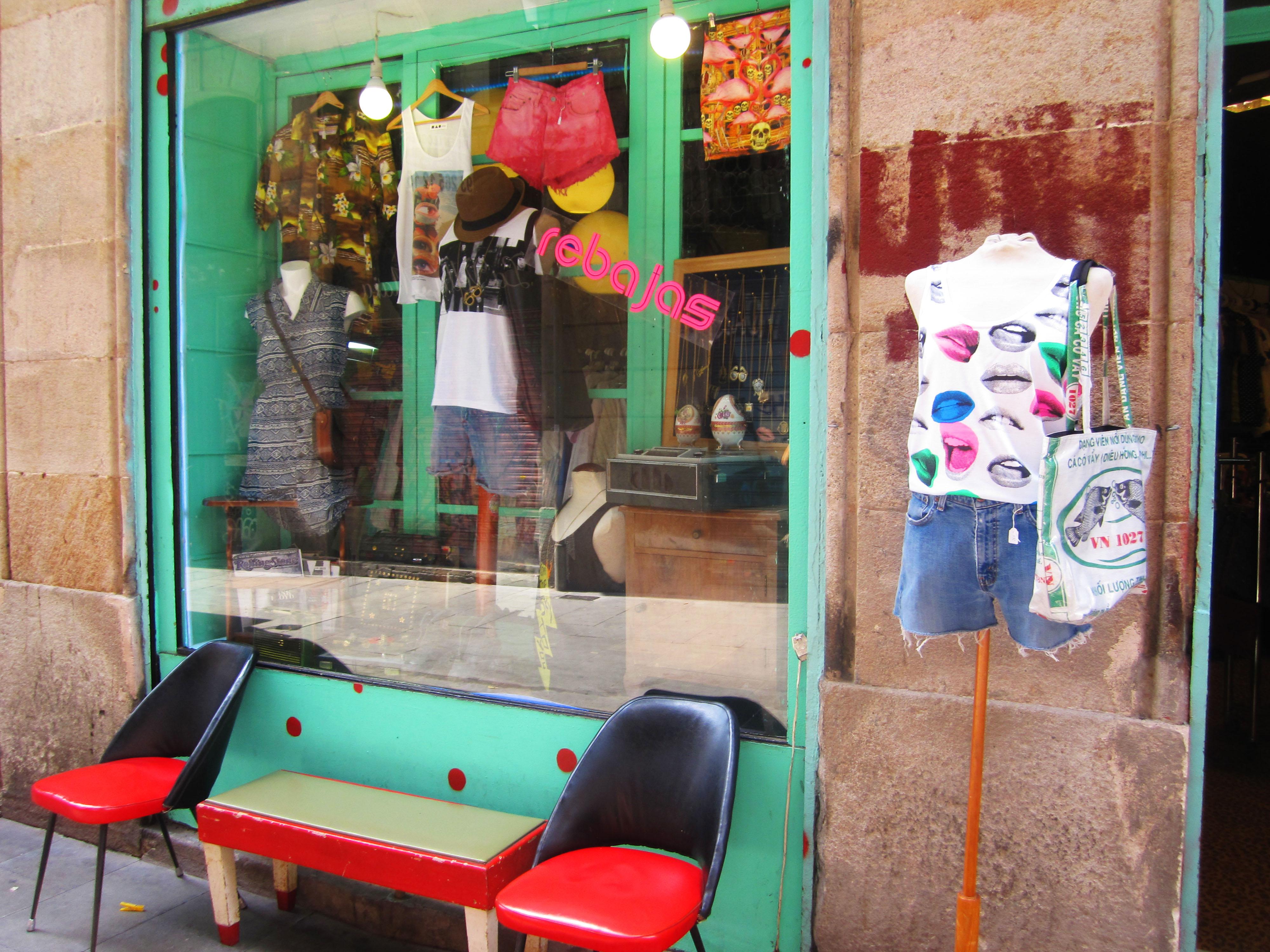 "The shop ""...de faralaee..."" at Riera Baixa 9.."
