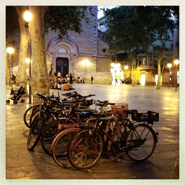 Plaça de la Virreina - the best place to end an afternoon in Grácia with a nice glass of wine...