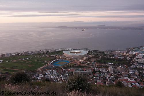 Blick auf die V&A Waterfront und das Capetown Stadium