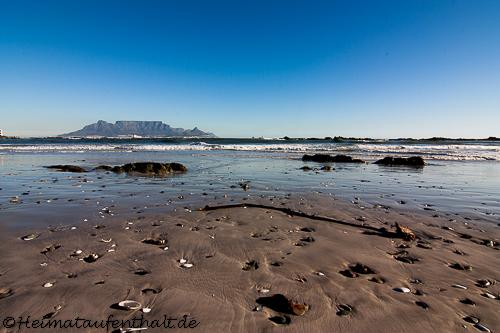 Traumhafter Blick auf den Tafelberg vom Bloubergstrand