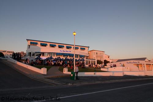 ...bevor man im Strandcafé Blue Peter den Tag gemütlich ausklingen lässt