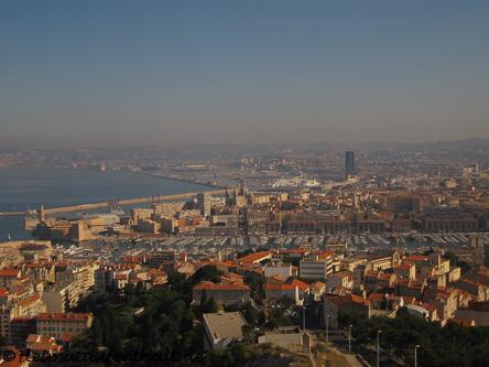 Das Herzstück Marseilles: Der Alte Hafen