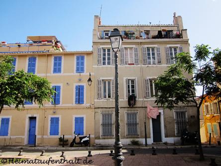 Der Place des Moulins befindet sich am höchsten Punkt des Viertels. Hier standen früher einmal 15 Windmühlen. Heute ist es das Zuhause vieler Künstler und eine Ruhe-Oase inmitten der Stadt