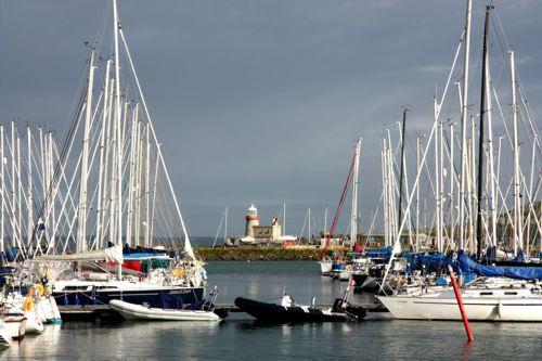 Der kleine Hafen von Howth. Hier kann man echte irische Seeluft schnuppern