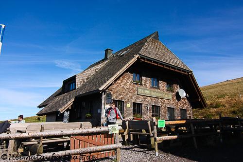 Die St. Wilhelmer Hütte ist mit 1380 m die höchstgelegene Hütte Baden Württembergs