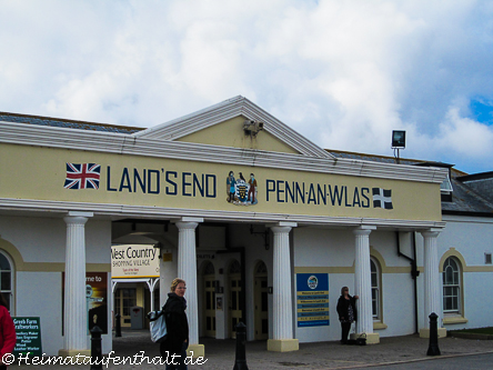 """""""Eingang"""" zu dem Küstenabschnitt Land´s End, dem südwestlichsten Punkt Englands"""