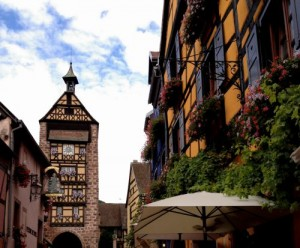 """Der Torturm """"Dolder"""" aus dem 16. Jahrhundert - Das Wahrzeichen von Riquewihr"""